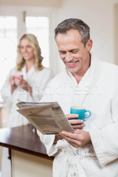 Aranyos pár kávé olvas hírek konyha Stock fotó © wavebreak_media