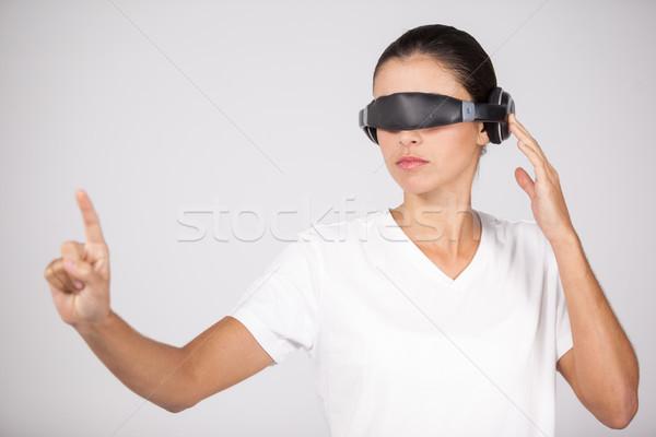 Mulher virtual vídeo óculos branco negócio Foto stock © wavebreak_media