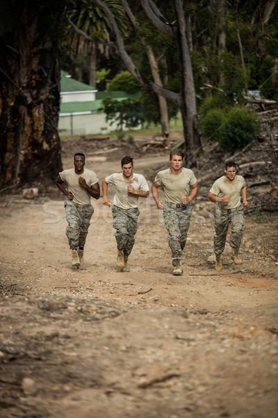 солдаты работает загрузка лагерь человека фитнес Сток-фото © wavebreak_media