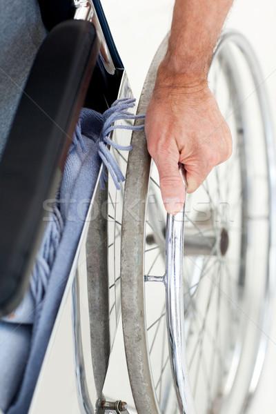 Homme fauteuil roulant maison médicaux santé personne Photo stock © wavebreak_media