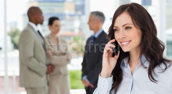 Photo stock: Exécutif · femme · parler · téléphone · façon