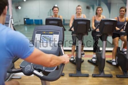 Glücklich Frauen Klasse Fitnessstudio Sport Gesundheit Stock foto © wavebreak_media