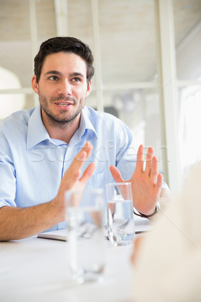üzletember magyaráz stratégia megbeszélés fiatal konferencia Stock fotó © wavebreak_media