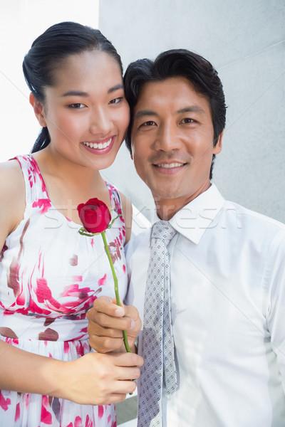 Man aanbieden Rood rose vriendin trap huis Stockfoto © wavebreak_media
