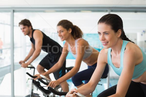 Encajar personas girar clase gimnasio feliz Foto stock © wavebreak_media