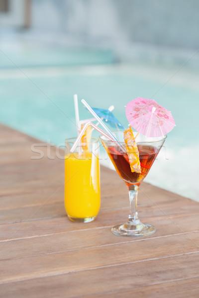 Dos cócteles piscina luz Foto stock © wavebreak_media