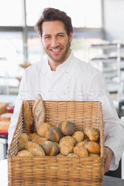 Baker cesta pan cocina panadería Foto stock © wavebreak_media