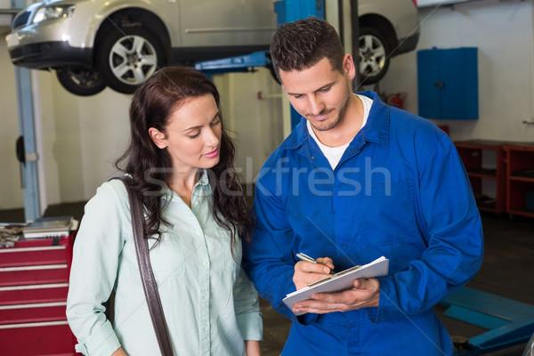Mechaniker Kunden sprechen zusammen Reparatur Garage Stock foto © wavebreak_media