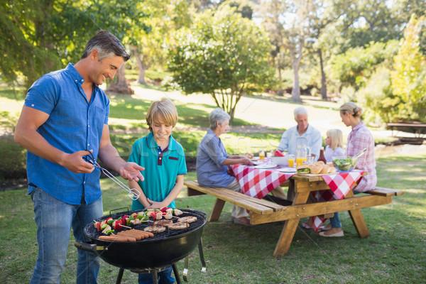 Foto d'archivio: Famiglia · felice · picnic · parco · primavera · uomo