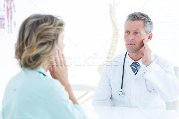 医師 触れる 顎 医療 オフィス 病院 ストックフォト © wavebreak_media
