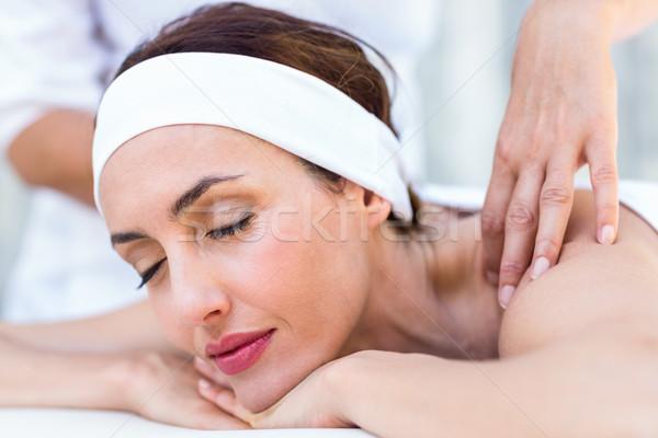 Belo morena de volta massagem mulher Foto stock © wavebreak_media