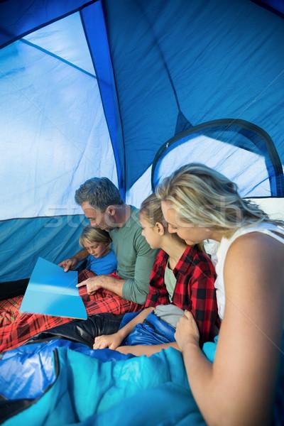 Aile okuma kitap çadır birlikte adam Stok fotoğraf © wavebreak_media