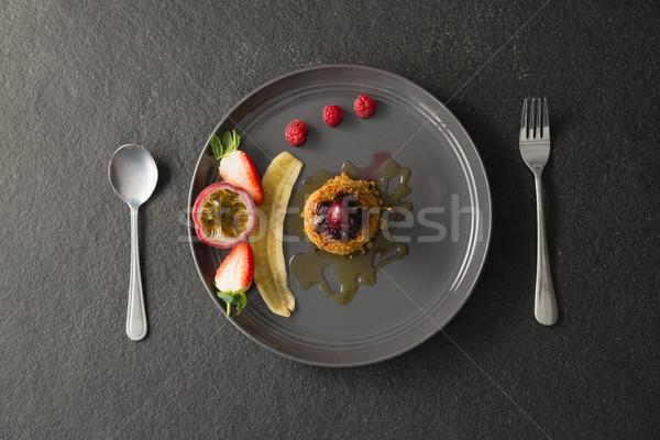 Egészséges reggeli gyümölcsök tányér közelkép eper Stock fotó © wavebreak_media