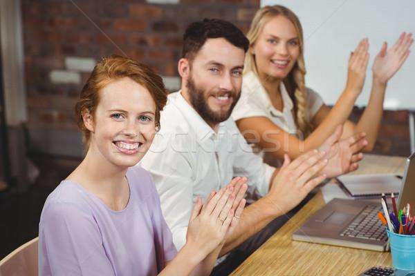 Portret szczęśliwy koledzy spotkanie twórczej Zdjęcia stock © wavebreak_media