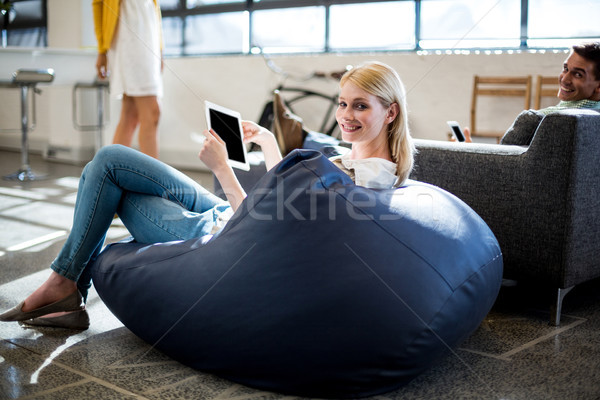Sitzung halten digitalen Tablet Stock foto © wavebreak_media