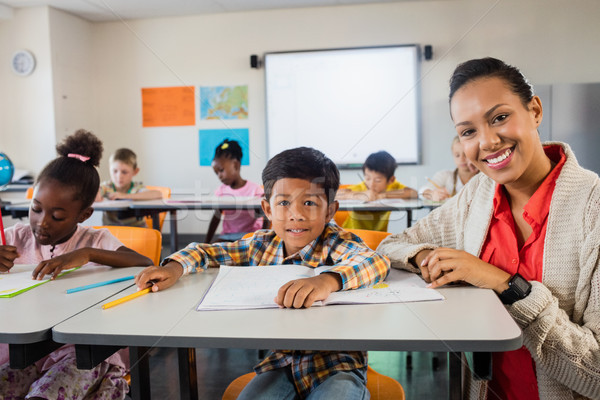 Gelukkig leraar poseren meisje werk kind Stockfoto © wavebreak_media