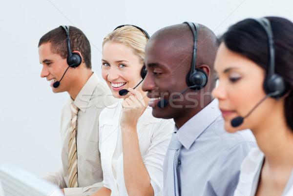 Diverso gente de negocios de trabajo centro de llamadas oficina ordenador Foto stock © wavebreak_media