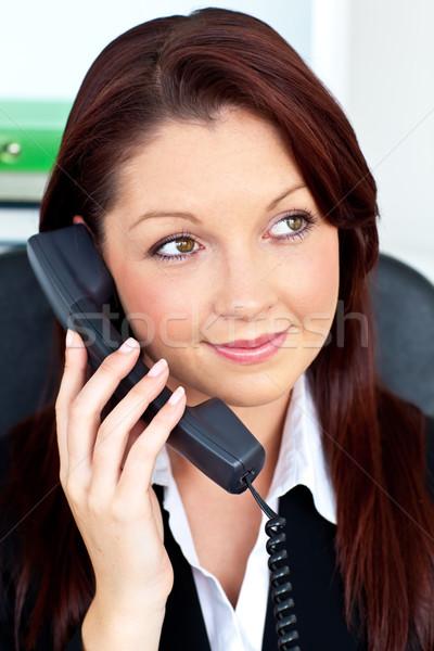 Stok fotoğraf: Güzel · işkadını · konuşma · telefon · oturma · ofis