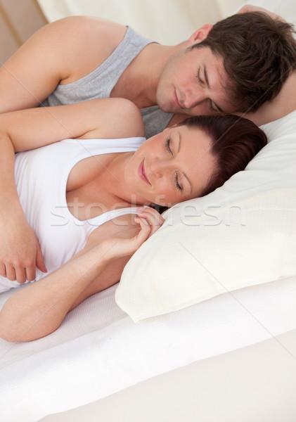 Adorabile giovani futuro genitori dormire letto Foto d'archivio © wavebreak_media