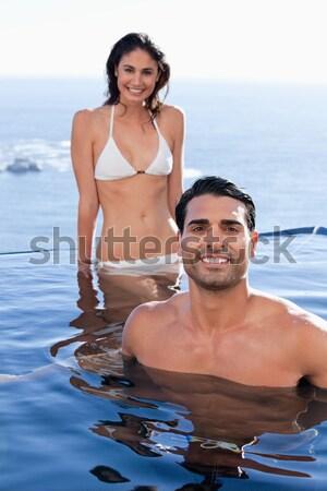 пару коктейль Бассейн улыбка счастливым красоту Сток-фото © wavebreak_media