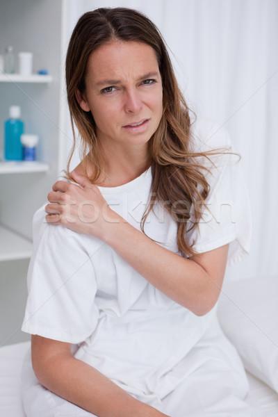 Mulher doloroso ombro mão saúde medicina Foto stock © wavebreak_media