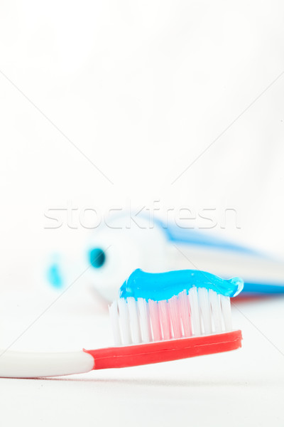 Rouge brosse à dents tube dentifrice blanche soins Photo stock © wavebreak_media