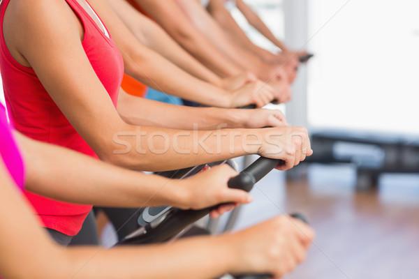 Fitt emberek dolgoznak ki osztály oldalnézet fiatalok Stock fotó © wavebreak_media