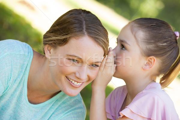 Kız gizli anneler kulak park Stok fotoğraf © wavebreak_media