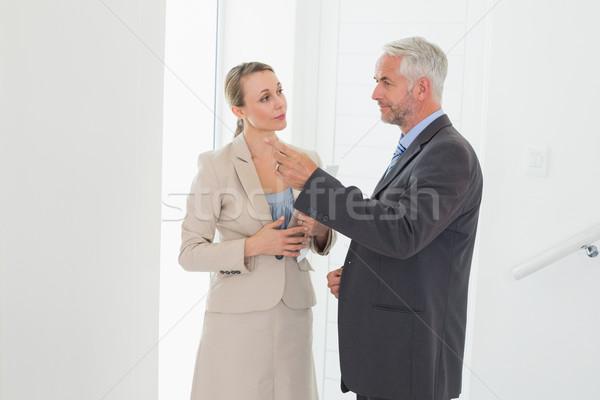 улыбаясь агент по продаже недвижимости комнату потенциал покупатель Сток-фото © wavebreak_media