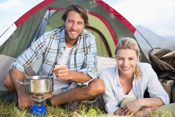 Vonzó boldog pár főzés kempingezés tűzhely Stock fotó © wavebreak_media