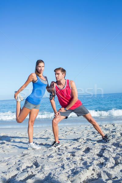 Gelukkig paar samen naast water Stockfoto © wavebreak_media