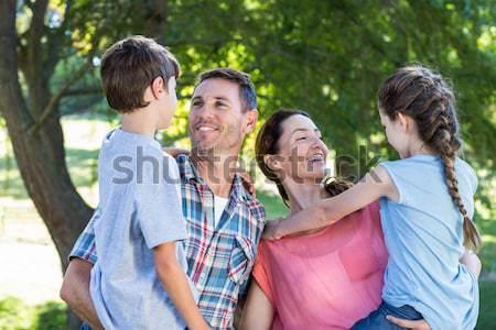 счастливым друзей парка барбекю человека Сток-фото © wavebreak_media