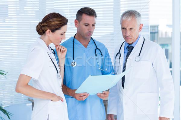 Zagęszczony medycznych koledzy pliku wraz szpitala Zdjęcia stock © wavebreak_media