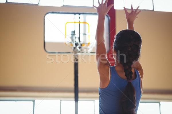 Hátsó nézet női kosárlabdázó bíróság gyakorol kosárlabda Stock fotó © wavebreak_media