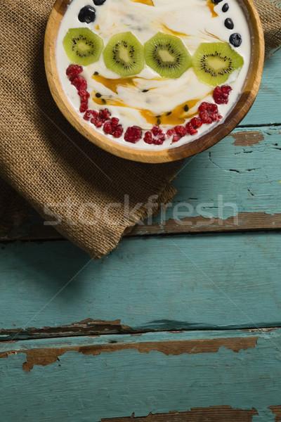 Yoğurt meyve çanak ahşap masa uygunluk tablo Stok fotoğraf © wavebreak_media