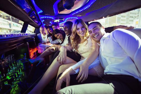Gelukkig vrienden limousine vrouw Stockfoto © wavebreak_media