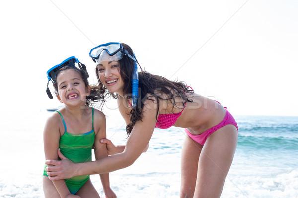 Foto d'archivio: Madre · figlia · diving · occhiali · spiaggia · felice