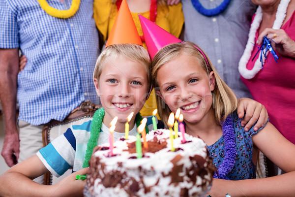 Testvérek ünnepel születésnapi buli család családi otthon lány Stock fotó © wavebreak_media