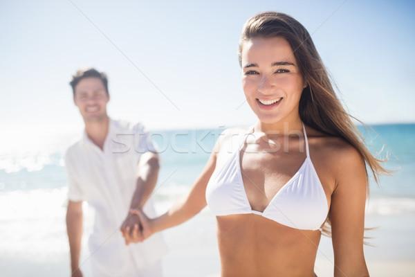 Güzel kadın el erkek arkadaş plaj kadın Stok fotoğraf © wavebreak_media