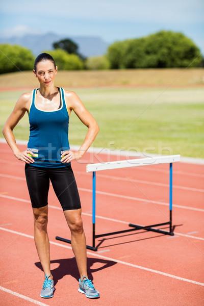 Stok fotoğraf: Portre · kadın · atlet · ayakta · eller · kalça