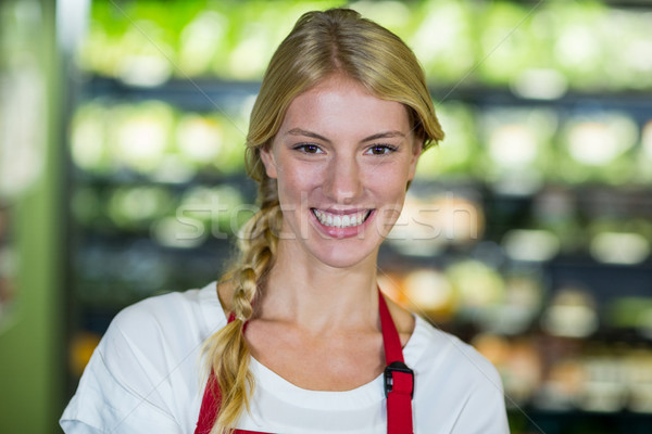 Glimlachend personeel supermarkt portret business vrouw Stockfoto © wavebreak_media