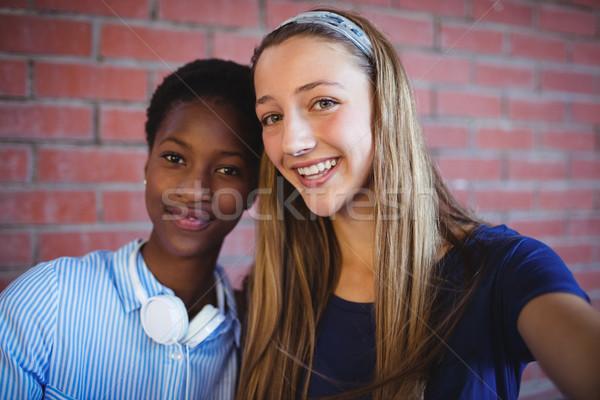 Porträt glücklich Schülerinnen Schule Campus Mädchen Stock foto © wavebreak_media