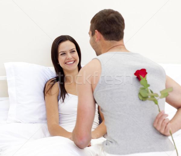 Foto stock: Hombre · aumentó · hermosa · esposa · cama · familia