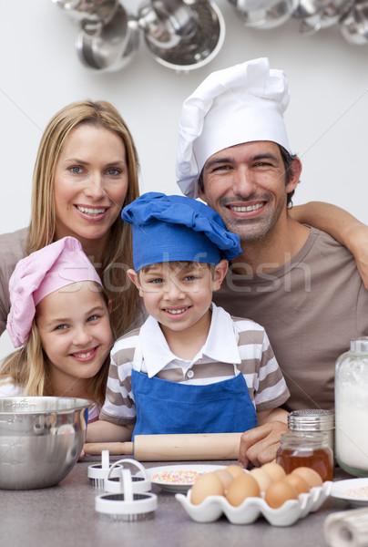 Portrait famille cuisine cookies femme Photo stock © wavebreak_media