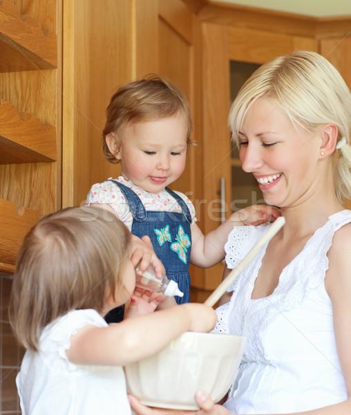 Porträt Familie Kochen Küche Essen glücklich Stock foto © wavebreak_media