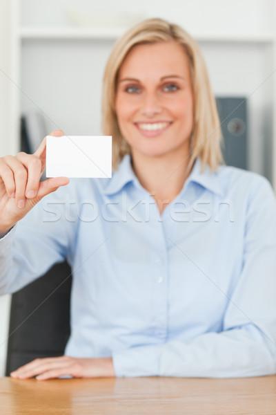 Stock fotó: Mosolyog · szőke · nő · üzletasszony · tart · kártya · külső