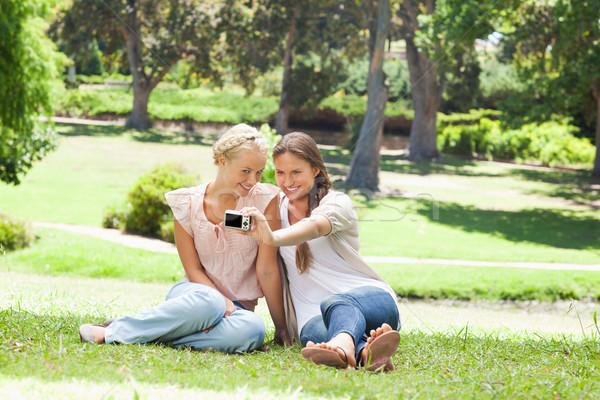 Foto stock: Femenino · amigos · toma · fotos · belleza · verano