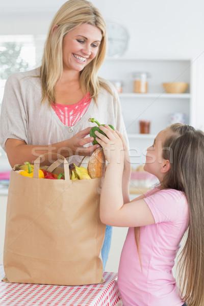 女性 緑 唐辛子 娘 食料品 袋 ストックフォト © wavebreak_media