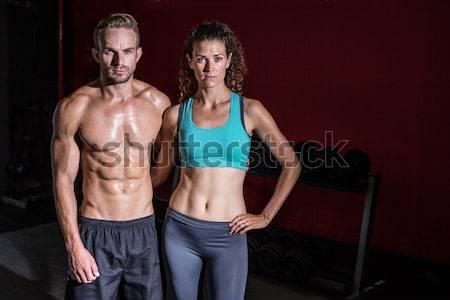 Afbeelding bodybuilding paar donkere kamer Stockfoto © wavebreak_media