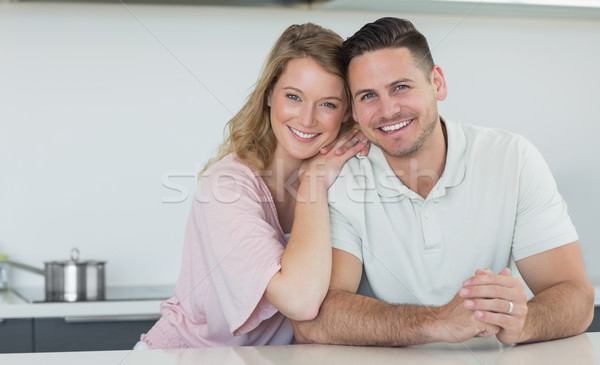Casal sorridente balcão da cozinha retrato amoroso casa Foto stock © wavebreak_media